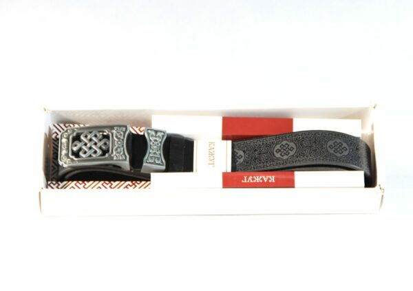Traditional pattern belt buckle