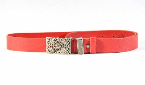 Women red ethnic belt