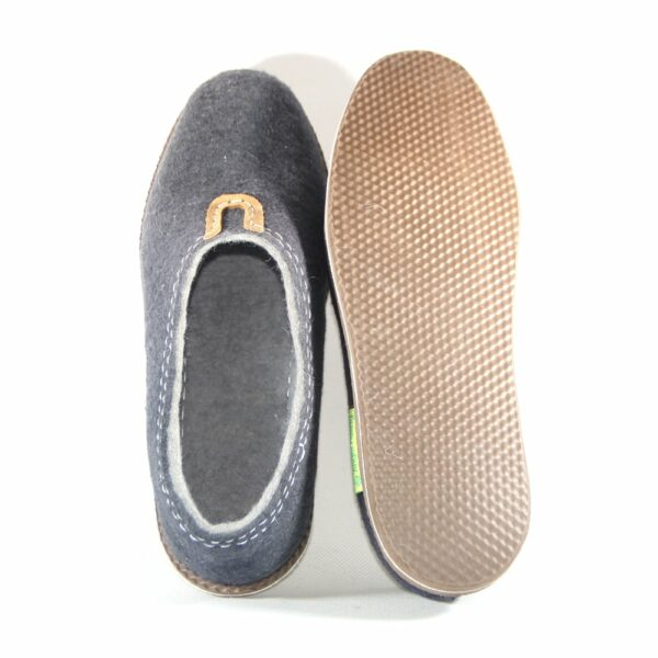 mongolian soft blue shoes made by felt /vertical/