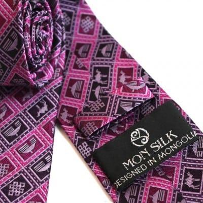 Mongolian purple necktie 3