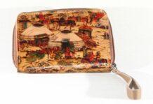 Монгольский коричневый кошелек с изображением искусства
