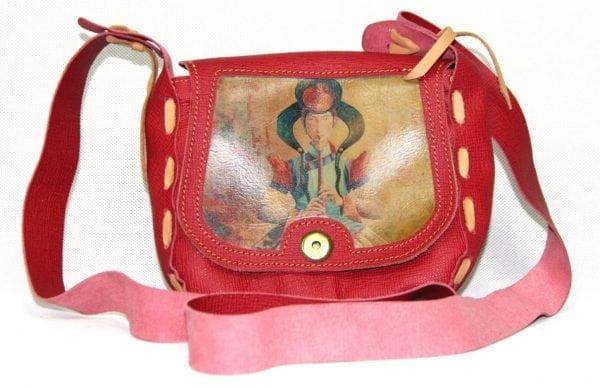 Монгольская красная сумка с изображением искусства