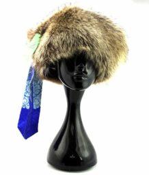 蒙古蓝色的丝绸浣熊帽子