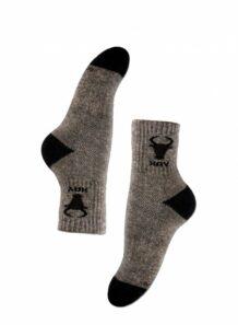 серые мужские носки