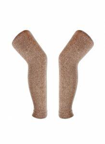 长的浅棕色的腿袜子