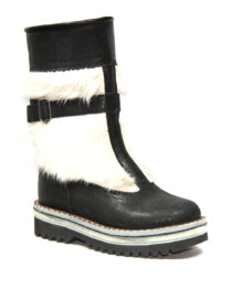 Black&White Fur Boots 1