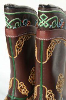 蒙古手绣靴子