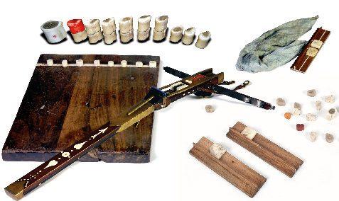 Mongolian-Anklebone-Game-1.jpg
