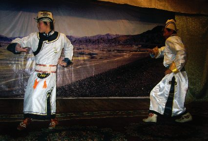 mongolian men biyelgee dance