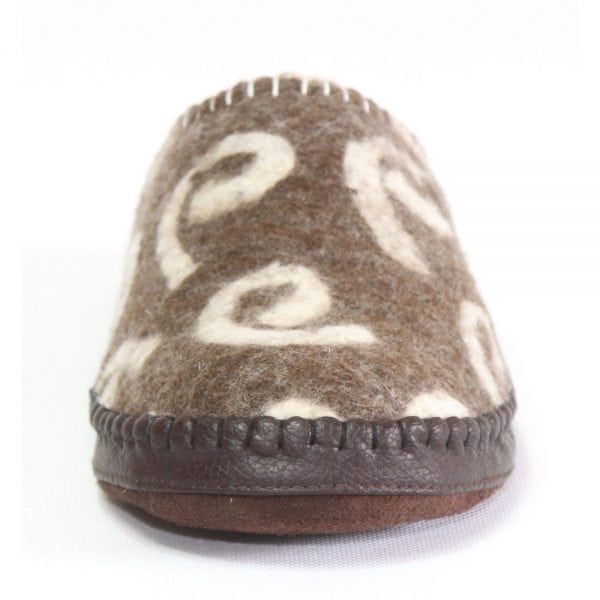 Front of Brown Brindle Slipper