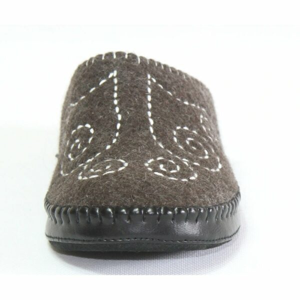 Front of Black Slipper