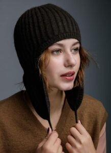 Black Woolen Women's Hat