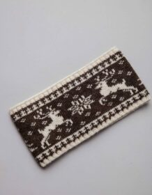 White Woolen Bandage With Deer Pattern