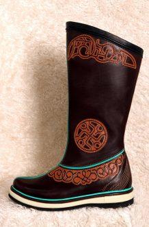 14 th Century Dark Brown Cowhide Boots